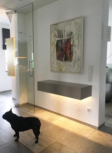 sideboard h ngend mit licht domius m belkonzepte. Black Bedroom Furniture Sets. Home Design Ideas